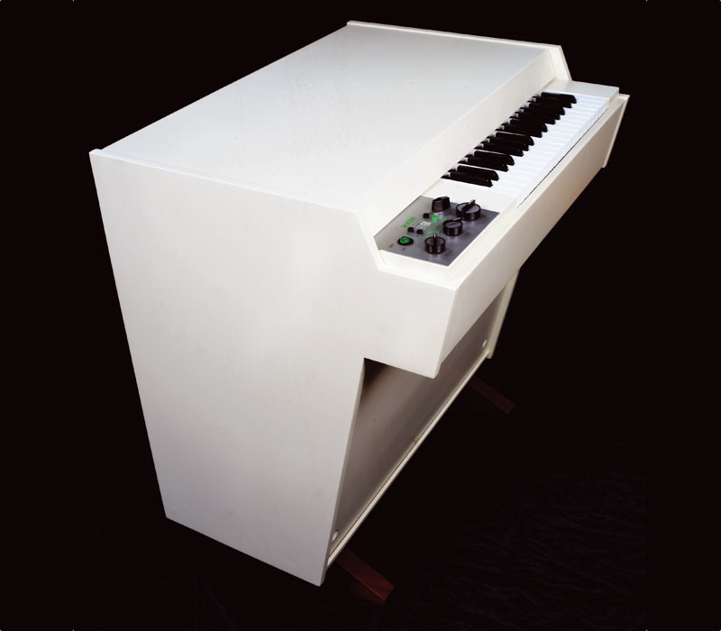 an object of desire - the Mellotron M4000 (http://www.mellotronics.com/)